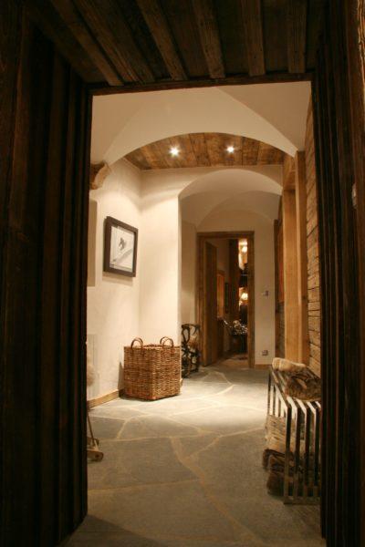 Chalet-La-bergerie-montagne-Le-Miroir-Ste-Foy-JMV-Resort-intérieur-couloir