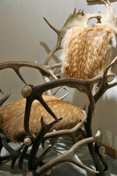 Chalet-La-bergerie-montagne-Le-Miroir-Ste-Foy-JMV-Resort-fauteuil-peau-poil