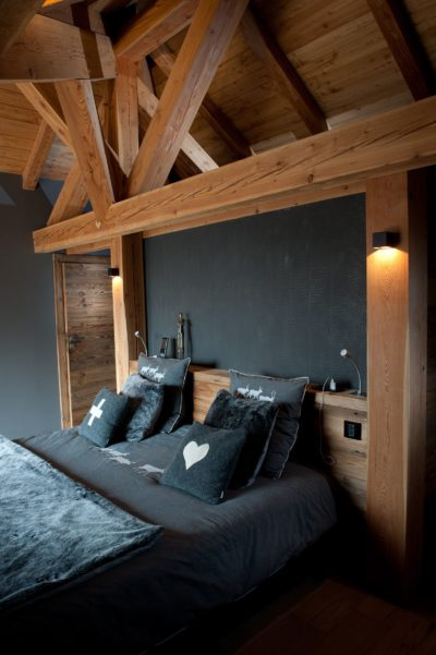 Chalet-D'Osc-montagne-Les-2-Alpes-JMV-Resort-lit-chambre-toit en bois