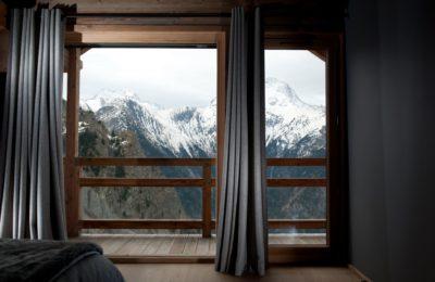 Chalet-D'Osc-montagne-Les-2-Alpes-JMV-Resort-vue sur l'extérieur-neige-rideaux