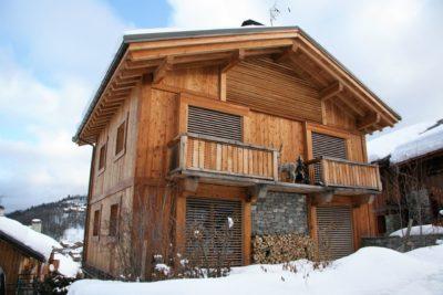 Chalet-montagne-Arte-Meribel-JMV-Resort -vue extérieur-bois-balcon
