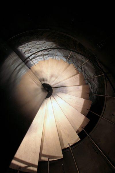 Chalet-montagne-Arte-Meribel-JMV-Resort -escalier en bois