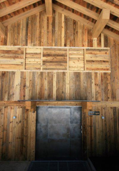 Chalet-A-montagne-Meribel-JMV-Resort-façade extérieur-entrée-bois