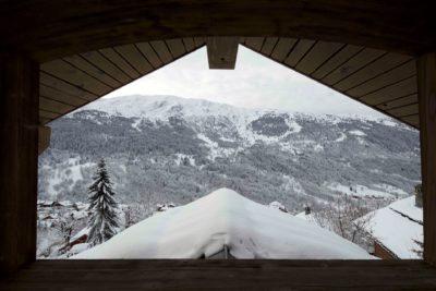 Chalet-3Cerisiers-montagne-Meribel-JMV-Resort-vue sur extérieur-neige-forêt-toit