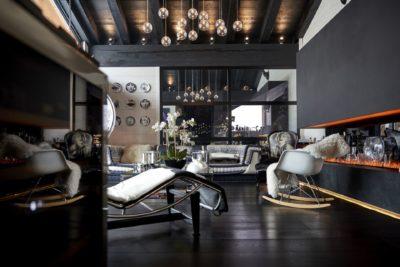 Appartement-Les-Airelles-Val-D'Isere-JMV-Resort-salon-fauteuils-canapés