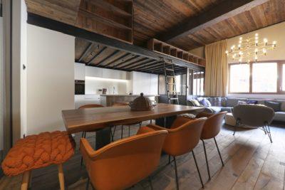 Appartement-Pierra-Menta-montagne-Val-D'Isere-JMV-Resort-salon-cuisine-mezzanine
