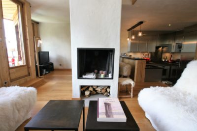 Appartement-S-montagne-Avoriaz-JMV-Resort-salon-table-cuisine
