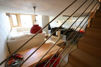 Appartement-S-montagne-Avoriaz-JMV-Resort-salon-escalier