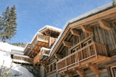 Chalet-Le-grand-cerf-montagne-Meribel-JMV-Resort-extérieur-façade en bois-neige