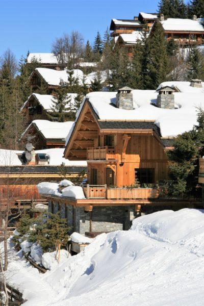 Chalet-L'eglantier-montagne-Meribel-JMV-Resort-neige-forêt- façade extérieur bois