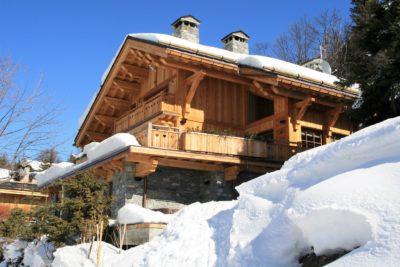 Chalet-L'eglantier-montagne-Meribel-JMV-Resort-façade bois-extérieur-neige