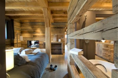 Chalet-MAJ-montagne-Puy-St-Pierre-JMV-Resort -chambre-lit-bois