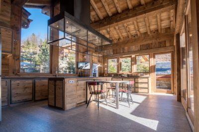 Chalet-Queen-Mijane-montagne-Meribel-JMV-Resort-intérieur-cuisine-bois