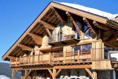 Chalet-Queen-Mijane-montagne-Meribel-JMV-Resort-devanture bois-extérieur-neige