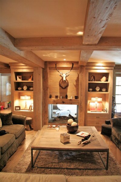 Chalet-R-montagne-Meribel-JMV-Resort-salon-renne-table