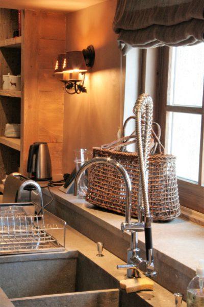 Chalet-R-montagne-Meribel-JMV-Resort-cuisine-lavabo