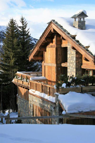 Chalet-Tiki-montagne-Meribel-JMV-Resort-extérieur-neige-bois
