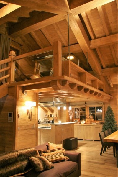 Chalet-Tiki-montagne-Meribel-JMV-Resort-mezzanine-bois-façade-salon