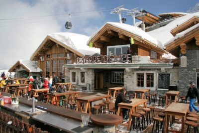 Folie-Douce-restaurant-JMV-Resort-architectes neige devanture terrasse