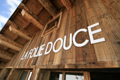 Folie-douce-restaurant-Val-Thorens-JMV-Resort-architectes devanture bois