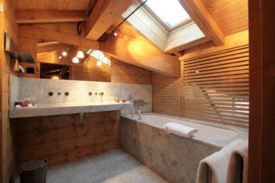 Hôtel-Le-Blizzard-Val-D'Isere-JMV-Resort-salle de bain-bois