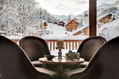 Hôtel-Le-Grand-Coeur-montagne-JMV-Resort-neige-salon-fauteuil