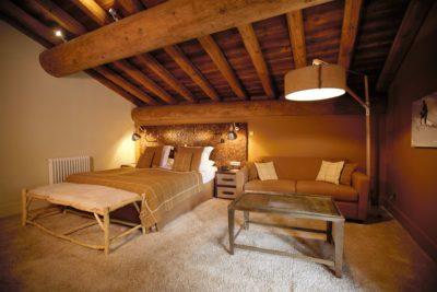 Hôtel-Les-5-Freres-Val-D'Isere-JMV-Resort-architectes-chambre-beige