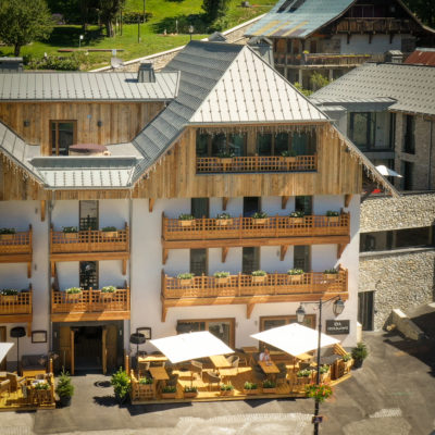 Hôtel V de Vaujany architecture de montagne façade extérieur