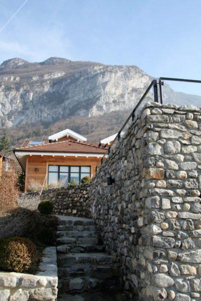 Maison-C-Veyrier-JMV-Resort-escalier- pierre