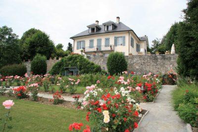 Maison-D-Chambery-JMV-Resort -extérieur-jardin-fleurs-plantes