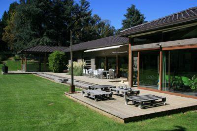 Maison-JMV-Tresserve-JMV-Resort-terrasse-jardin
