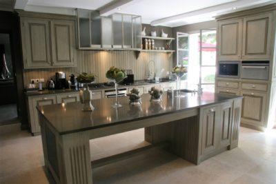 Mas-du-Greou-Eyrargues-JMV-Resort-cuisine-salle à manger