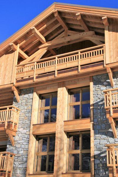 ésidence-Goleon-Val-Ecrin-Les-2-Alpes-JMV-Resort-architectes devanture bois 2