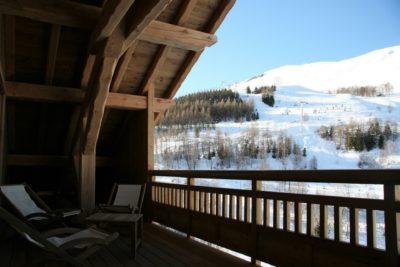 ésidence-Goleon-Val-Ecrin-montagne-Les-2-Alpes-Isère-JMV-Resort-architectes terrasse