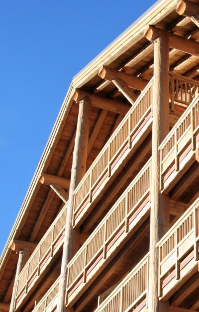 Résidence-Le-Cortina-Les-2-Alpes-Isère-JMV-Resort-architectes devanture extérieur bois