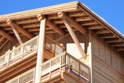 Résidence-Le-Cortina-Les-2-Alpes-JMV-Resort-architectes extérieur façade bois 2