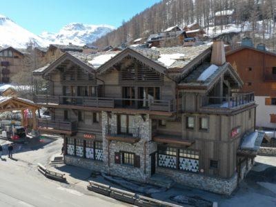 Résidence Staval architecture extérieur neige montagne jmv resort