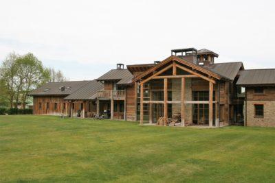 Ranch-Larchant-JMVResort- jardin- devanture bois- entrée
