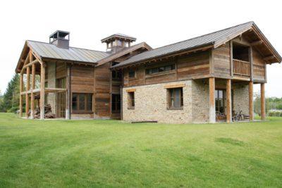 Ranch-Larchant-JMVResort-extérieur-jardin-devanture bois