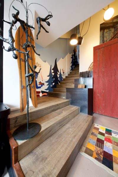 Showroom-JMV-Resort-Meribel-porte manteau-escalier