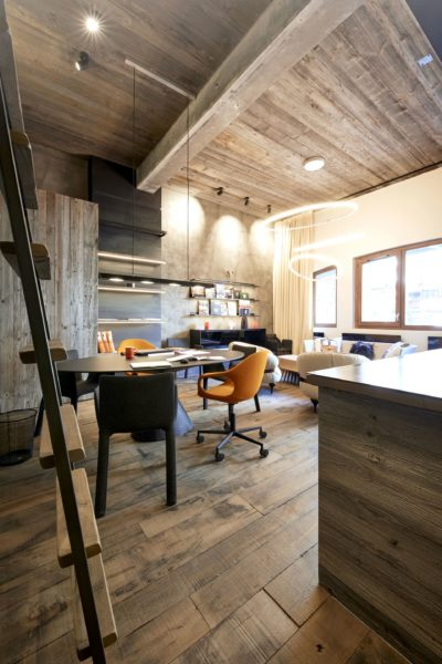 Showroom-JMV-Resort-Val-D'Isère-hall-bureau
