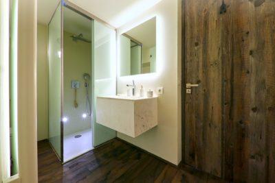 Showroom-JMV-Resort-Val-D'Isère-salle de bain