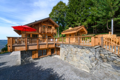 Chalet- Victoire Mijane - Méribel - vue extérieur - façade - bardage bois pierre - JMV Resort