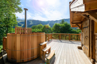 Chalet- Victoire Mijane - Méribel - vue extérieur - bardage bois - montagne - jacuzzi - terrasse - JMV Resort