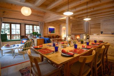 Chalet- Victoire Mijane - Méribel - intérieur - cuisine - salle à manger - bois - JMV Resort