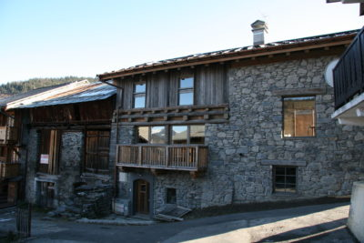 Chalet - La Grange - Méribel - façade pierre et bois - extérieur - JMV Resort