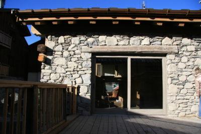 Chalet - La Grange - Méribel - façade pierre et bois - extérieur - terrasse - JMV Resort