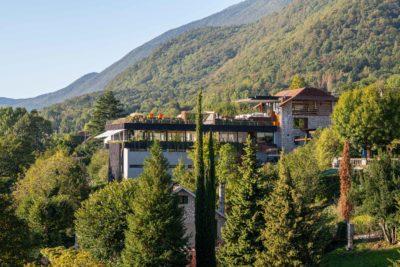Maison Bourdeau - vue extérieur - montagne - façade pierre -JMV Resort