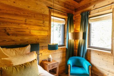 Hôtel V de Vaujany architecture de montagne chambre intérieur bois
