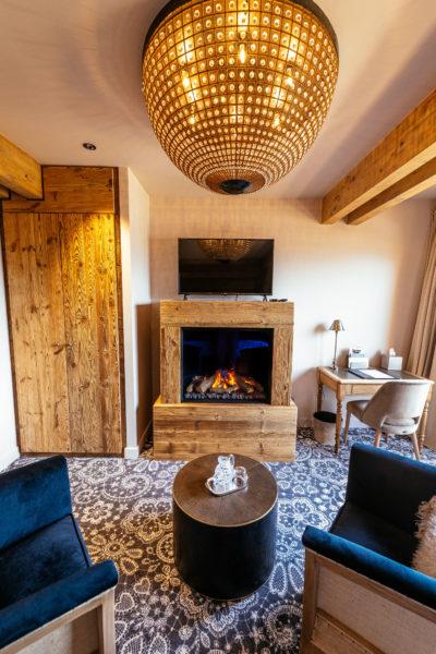Hôtel V de Vaujany architecture de montagne salon chambre intérieur bois